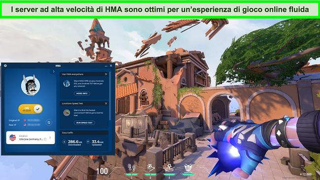 Schermata di HMA connessa a un server statunitense con Valorant in sottofondo.