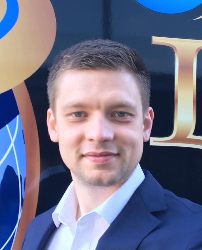 Ilya Longo