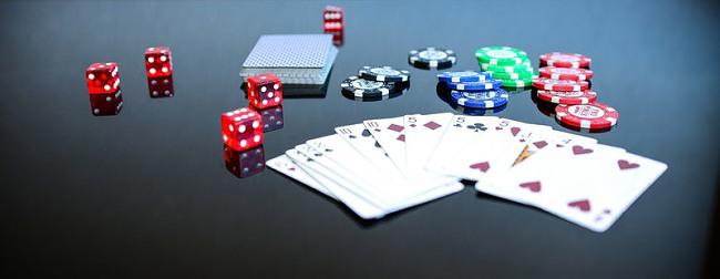 poker game play gambling