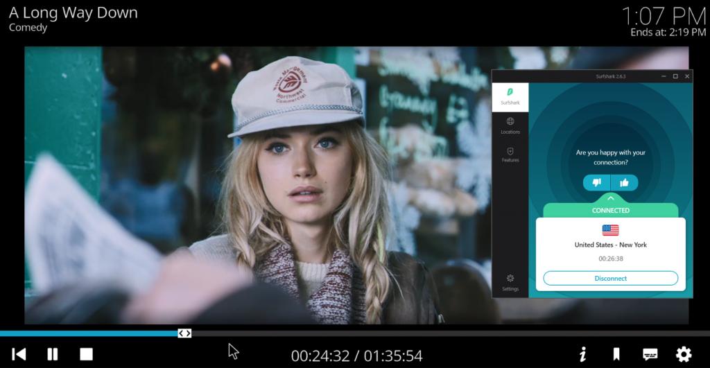 لقطة شاشة لـ PopcornFlix على Kodi تقوم ببث فيلم و Surfshark متصل بخادم أمريكي