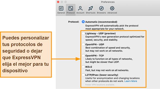 Captura de pantalla de la aplicación ExpressVPN que muestra todos los protocolos disponibles, incluidos Lightway, OpenVPN, IKEv2 y L2TP / IPsec