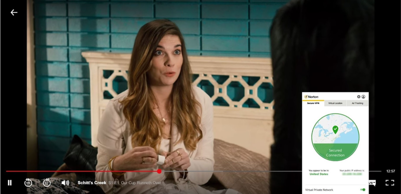 Screenshot di Norton Secure VPN che sblocca Netflix USA e riproduce in streaming Schitt's Creek.