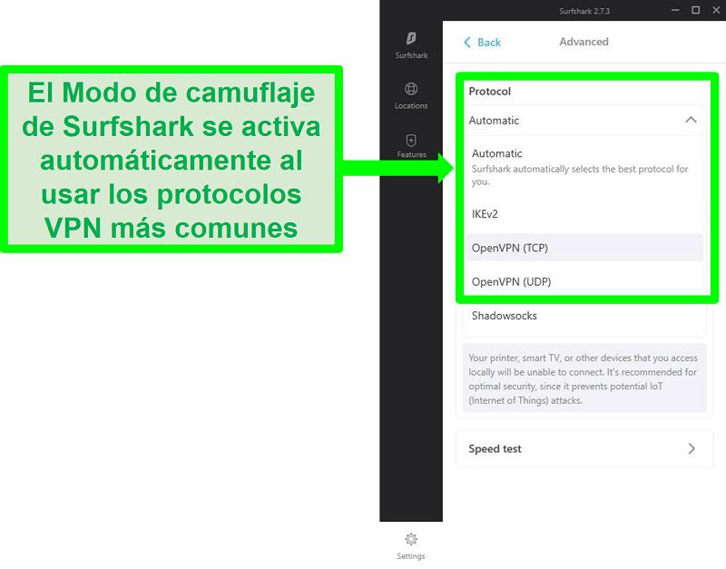 Captura de pantalla del menú de configuración de Surfshark que muestra los protocolos VPN que funcionan con el modo de camuflaje