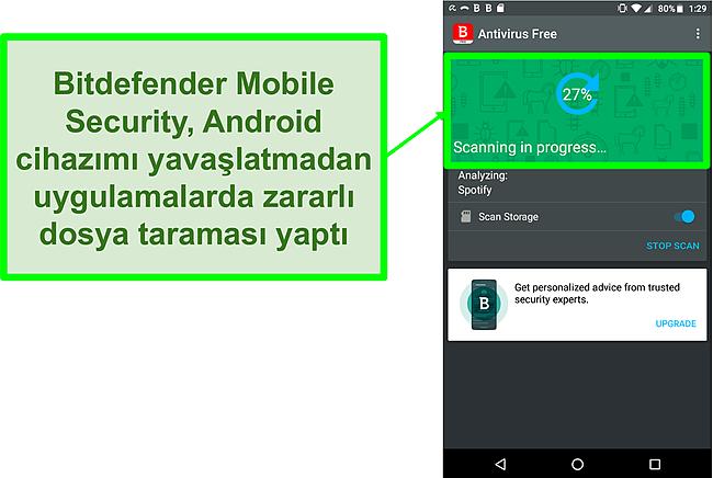 Bir Android mobil cihazı tarayan Bitdefender Mobile Security ücretsiz sürümünün ekran görüntüsü